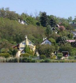 Jarní pohled na obecní rybníky