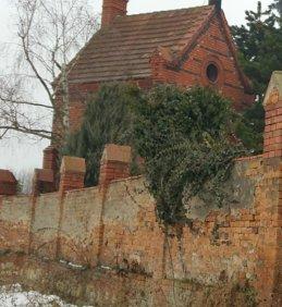 Oprava hřbitovní zdi