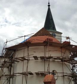 Oprava střechy kostela