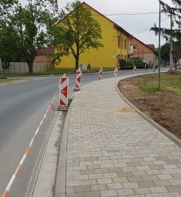 Rekonstrukce chodníku v ulici Hrušovanská
