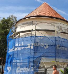 Oprava fasády kostela sv. Vavřince ve Vojkovicích