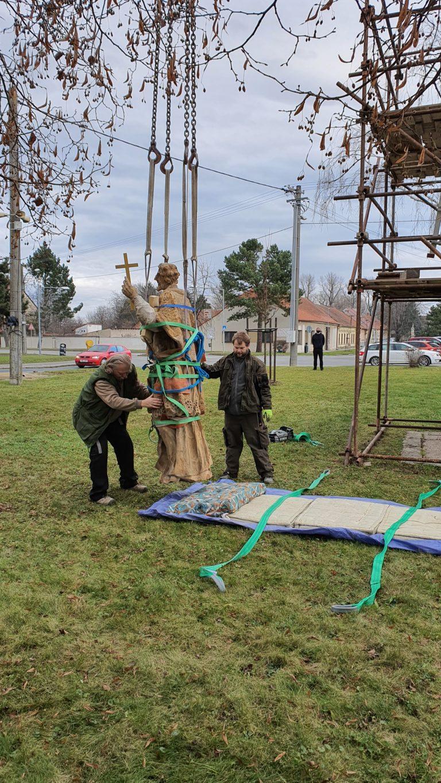 Příprava sochy na transport 7